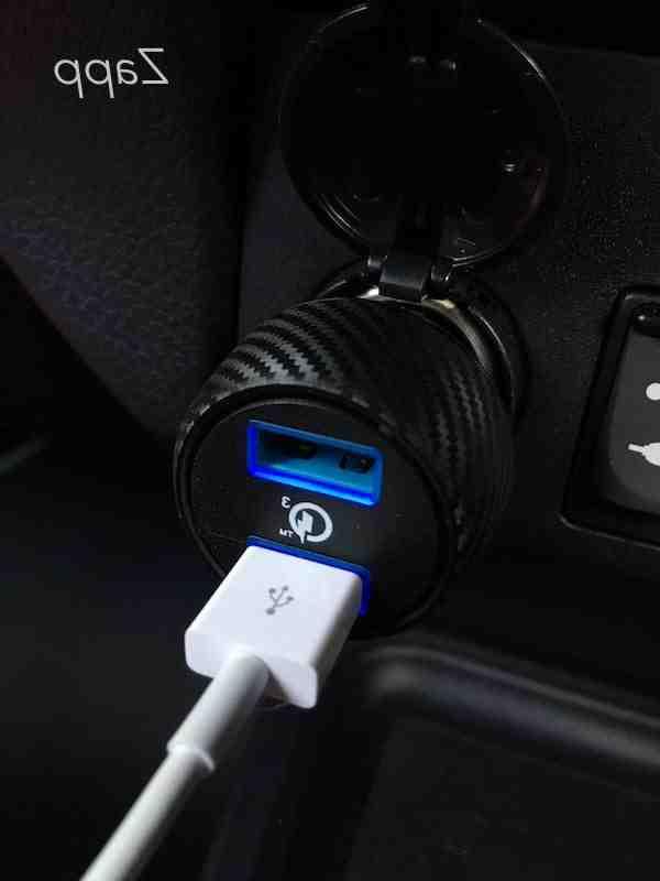 Quel tension port USB ?
