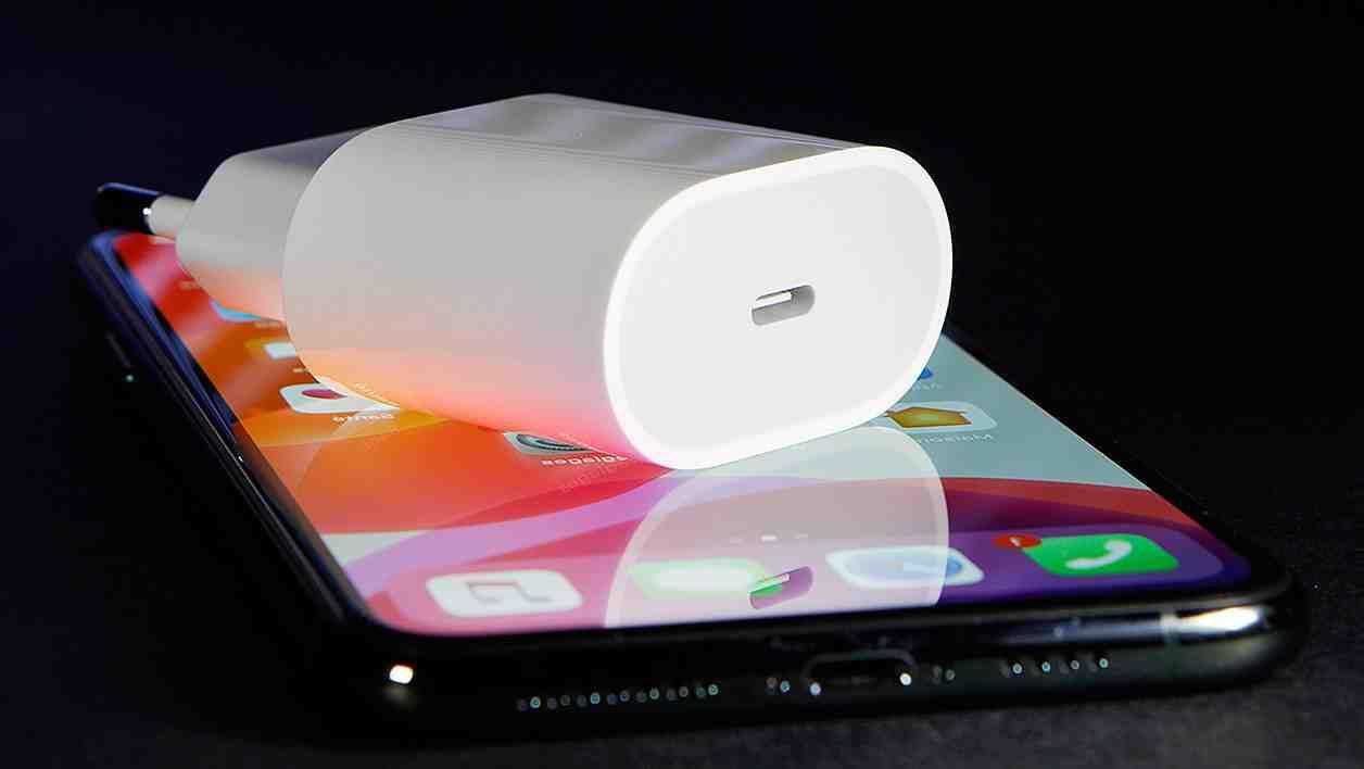 Quel type de chargeur pour iPhone 7 ?